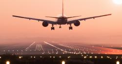 پاکستان کے اہم شہر میں 130مسافروں سے بھرے جہاز کو خوفناک حادثہ