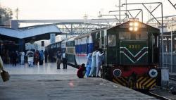 شیخ رشید کا عید پر تین خصوصی ٹرینیں چلانے کا اعلان