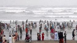 شنیرا اکرم کی عوام کے ساحل پر جانے پر پابندی عائد کرنے کی اپیل
