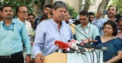 لیجنڈری بھارتی کھلاڑی کپل دیوچانسلربن گئے