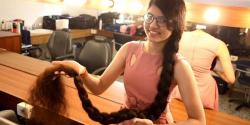 جتنا قد اتنے لمبے بال، گجراتی لڑکی نے گنیز ورلڈ ریکارڈ کا اعزاز حاصل کر لیا