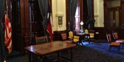 کنساس میں گورنر کے عہدے کے لیے شہری نے اپنے پالتو کتے کے کاغذات جمع کروادیئے مگر۔۔۔