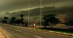 کراچی کے مختلف علاقوں میں رم جھم، بجلی کی آ نکھ مچولی، مزید بارش کی پیش گوئی