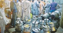 سرکاری ملازمتوں کے بعد ذاتی کاروبار بھی بند، پنجاب میں کھلے دودھ کی فروخت پر پابندی عائد کرنے کا فیصلہ