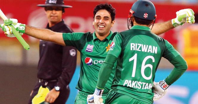پاکستان نے 33اوورز میں تین وکٹوں پر 194رنز بنالیے