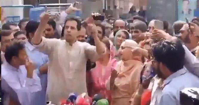 کیپٹن صفدر کی مولانا فضل الرحمان  کے حق میں نعرے  بازی۔۔ عمران خان کو عصر حاضر کا یزید  قراردیدیا