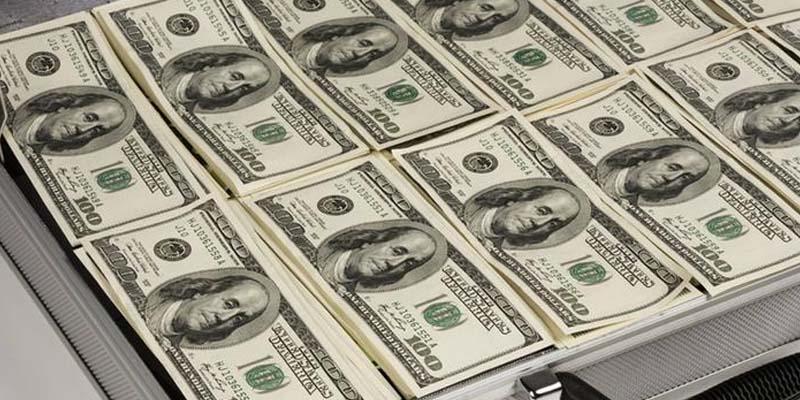 انٹربینک مارکیٹ میں روپے کی قدر مستحکم ،ڈالر 4ماہ کی کم ترین سطح پر آ گیا