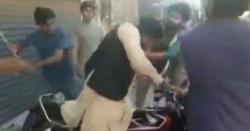 ملتان میں طلباء کا کالج کے لیکچرار پر تشدد معزز استاد بار بار کہتا رہا