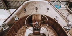 برطانوی شہری نے اپنی پسندیدہ کشتی بنانے کیلئے سب کچھ بیچ ڈالا