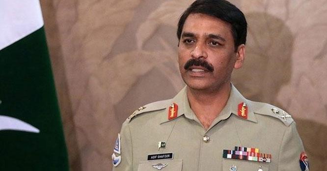 فوج سیاست میں عمل دخل نہیں کرتی صرف حکومت کے احکامات پر عمل کرتی ہے، ڈی جی آئی ایس پی آر