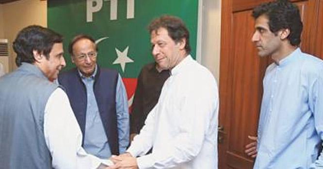 چوہدری برادران اچانک ، نوا زشریف کی حمایت میں بیان  کیوں دے رہےہیں،عمران خان کے ساتھ گیم ڈال دی گئی