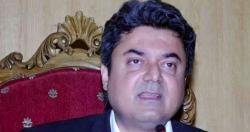 فروغ نسیم وفاقی کابینہ میں ایم کیو ایم کی نہیں عمران خان کی نمائندگی کرتے ہیں، عامر خان