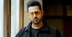 بھارتی پنجابی فلموں کے معروف ترین اداکار اور گلوکار چپکے سے پاکستان پہنچ گئے اور کسی کو خبر ہی نہ ہوئی