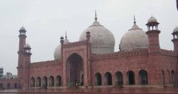تاریخی بادشاہی مسجد اور شاہی قلعہ سیاحوں کیلئے بند