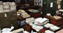 سرکاری ملازمین کیلئے بری خبر۔۔ حکومت کاریٹائرمنٹ کی عمر میں بڑی کمی کا فیصلہ ،ہزار وں ملازمین گھر جائیں گے