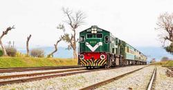 عوام کے لئے بڑی خوشخبری :ریلوے انتظامیہ  نے17اگست سےکتنی ٹرینیں چلانےکافیصلہ کرلیا،جانیں