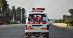 کیری ڈبہ کا ٹائر پھٹنے سے ماں 2 بیٹیوں سمیت موقع پر جاں بحق، باپ 2 بچے اور ڈرائیور 4 افراد شدید زخمی