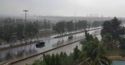 کراچی میں بادل ایک بار پھر برس پڑے،  کب تک بارش رہے گی، شہرقائد کے باسیوں کیلئے بڑی خبر