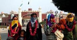 پاکستان جیساکوئی نہیں۔۔۔پڑوسی ملک منتقل  ہونیوالے 100ہندوخاندانوں بارے بڑی خبرآگئی