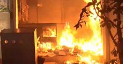 کھڑی شریف کے مشہور بازار جاتلاں میں سلنڈر اؤر کھلے پٹرول کی دوکان میں آتشزدگی لاکھوں کا سامان جل گیا