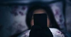 اسمارٹ فون دنیا بھر کی نیند برباد کررہے ہیں