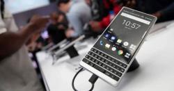 نئے ڈیزائن کا جدید بلیک بیری موبائل فون تیار،قیمت اور خصوصیت بارے جان کر آپ یقین نہیں کرینگے