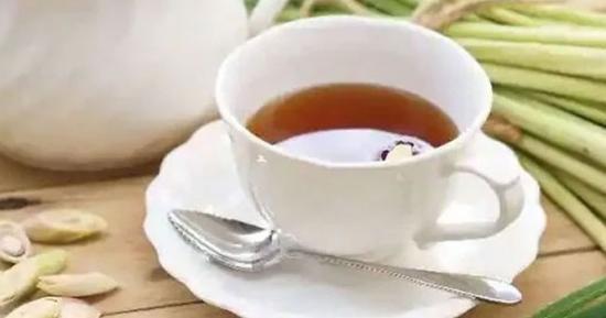 لیمن گراس چائے کئی بیماریوں کا مفید علاج ہے، ایسے فوائد جسے جان کر آپ بھی اسے روزانہ کامعمول بنالینگے