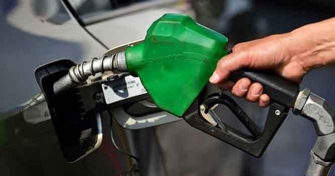 حکومت نے پٹرول کی فی لٹر قیمت میں اضافہ کردیا