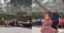شادی میں دولہا کی ایسی حرکت کہ دلہن سمیت منہ کے بل گر پڑا،ویڈیو وائرل