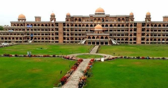 بچوں کے مستقبل سے کھلواڑ۔۔پاکستان کی بڑی سرکاری یونیورسٹی نے جعلی ڈگریاں جاری کردیں، گندے دھندے میں کون کون ملوثہے؟والدین اور طلبا یہ ضرور