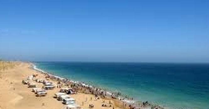 کراچی کے ساحلی زون پر ہزارو ں رہائشی یونٹس بنائیں گے، وزیر اعظم